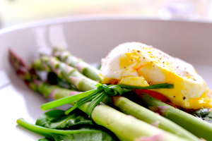 Steamed Asparagus Egg