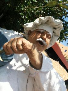 chef dude statue MGD©