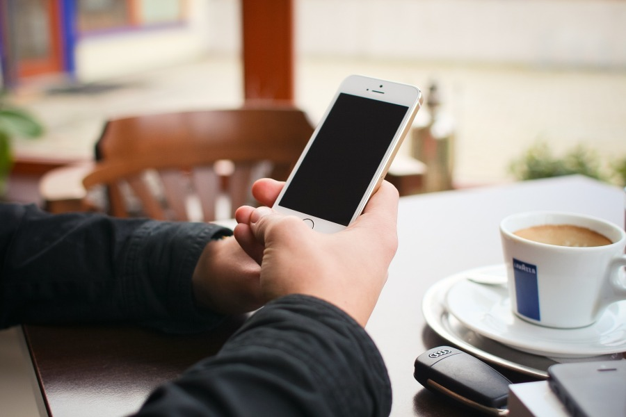 iphone-5s-1114403_1920.jpg
