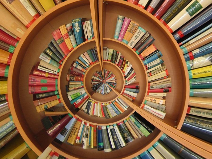 book-774837_1920.jpg